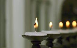 Kaarsen in een rij Royalty-vrije Stock Afbeeldingen