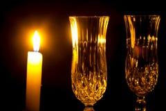 Kaarsen en Kerstmis lichte close-up van het wijnglas royalty-vrije stock foto