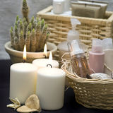 Kaarsen en schoonheidsmiddelen Royalty-vrije Stock Afbeeldingen
