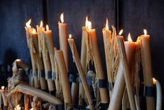 Kaarsen in Heiligdom van Fatima Stock Foto's
