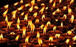 Kaarsen in het tibetan klooster. Stock Afbeelding