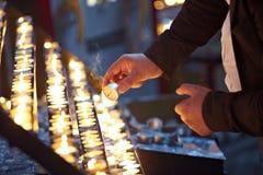 Kaarsen in kerk Royalty-vrije Stock Foto's