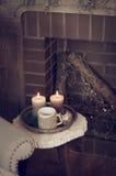 Kaarsen op de koffietafel Royalty-vrije Stock Afbeelding