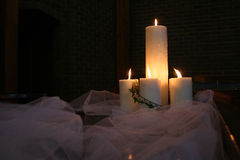 Kaarsen op een lijst royalty-vrije stock foto's