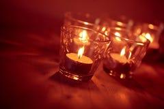 Kaarsen op een vage achtergrond Stock Foto