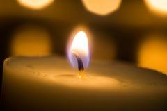 Kaarsen op een zwarte achtergrond Stock Afbeelding