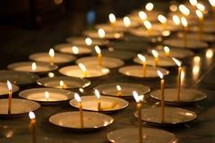 Kaarsen van geloof Stock Afbeeldingen