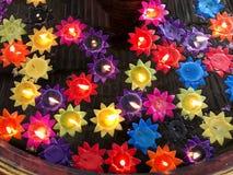 Kaarsen in vijver Stock Afbeelding