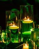 Kaarslicht Gebaad in Groen voor St Patrick ` s Dag Stock Foto's