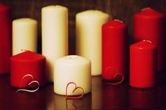 Kaarslicht vastgestelde liefde Stock Foto