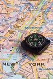 Kaart en kompas royalty-vrije stock fotografie