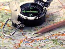 Kaart, kompas en potlood. Royalty-vrije Stock Foto's