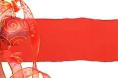 Kaart met de decoratieve bal van Kerstmis Royalty-vrije Stock Afbeeldingen
