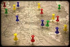 Kaart met het wijzen van de op kapitalen Europese staat Royalty-vrije Stock Afbeelding