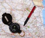 Kaart met kompas. Stock Foto's
