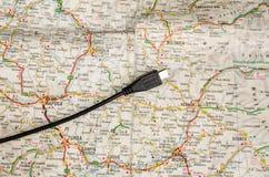Kaart met USB-kabel royalty-vrije stock afbeeldingen
