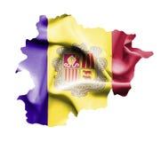Kaart van Andorra met golvende die vlag op wit wordt geïsoleerd stock illustratie