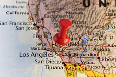 Kaart van Californië met rode speld op Los Angeles Stock Foto's