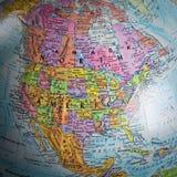 Kaart van Noord-Amerika in een bol royalty-vrije stock afbeeldingen