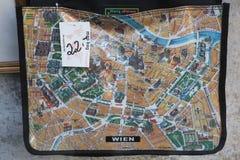 Kaart van Wenen op de kaartzak die wordt afgeschilderd Royalty-vrije Stock Foto