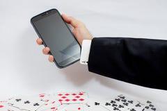Kaarten over computertoetsenbord en smartphone Concept online c Stock Foto
