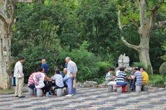 Kaartspelers in Fuxing-Park, Shanghai stock foto