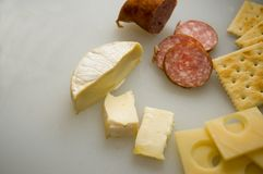 Kaas en Crackers - 1 Stock Afbeelding