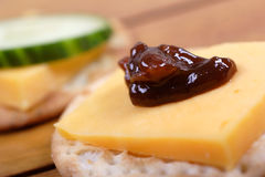 Kaas en crackers royalty-vrije stock foto