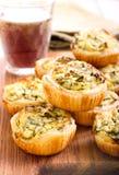 Kaas en spinazie minipastei Royalty-vrije Stock Afbeeldingen