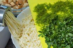Kaas, gehaktmolen, harde klemmen royalty-vrije stock foto's