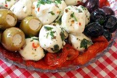 Kaas, Olijf en Voorgerecht Tomatoe Stock Afbeeldingen