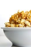 Kaas Op smaak gebrachte Popcorn stock fotografie