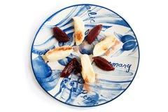 Kaasbollen met jam van pruimen, suiker en cacaopoeder Op royalty-vrije stock fotografie
