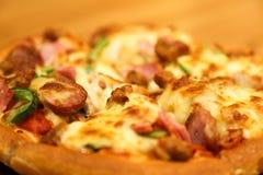 Kaaspizza Royalty-vrije Stock Afbeeldingen