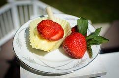 Kaastaart met aardbeien Stock Fotografie