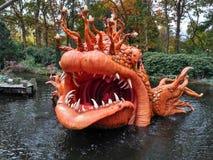 Kaatsheuvel holandie/- Listopad 03 2016: Park Tematyczny Efteling Duża pomarańcze ryba od bajki Pinocchio zdjęcia stock