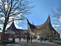 Kaatsheuvel holandie/- Marzec 29 2018: Wejściowy budynek park tematyczny Efteling fotografia stock