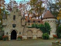 Kaatsheuvel/Países Baixos - 3 de novembro de 2016: Castelo do conto de fadas no parque temático Efteling imagem de stock royalty free