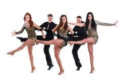Kabaretowy tancerz drużyny taniec Odizolowywający na bielu Obraz Royalty Free