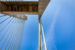 Kabel-bliven bro över Parana River, Brasilien Gräns av Sao Pau Royaltyfria Foton