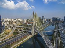 Kabel-bliven bro i världen fotografering för bildbyråer