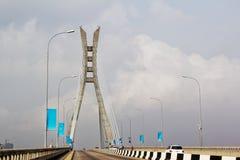 Kabel-bliven bro, upphängningbro - Lekki, Lagos, Nigeria arkivfoton