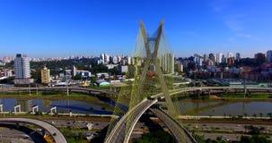 Kabel-gebleven brug in de wereld, São Paulo Brazil, Zuid-Amerika stock videobeelden