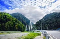 Kabel-gebleven brug in Rusland, Sotchi stock foto