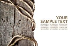 Kabel op houten logboek Stock Afbeeldingen