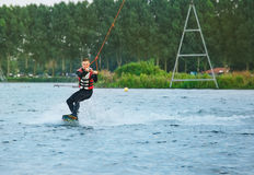 Kabel som wakeboarding Royaltyfri Fotografi