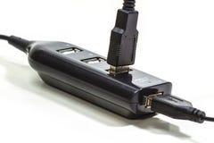 Kabel USB die op wit wordt geïsoleerd, Royalty-vrije Stock Foto's