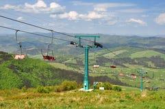 Kabelbaan in de bergen Stock Afbeeldingen