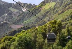 Kabelbaan in de bergen Royalty-vrije Stock Foto