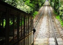 Kabelbaan die Bom Jesus, Braga Portugal beklimmen stock afbeeldingen